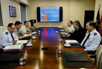Ministro de Defensa encabezó primera Junta Comandantes en Jefe de la era Piñera