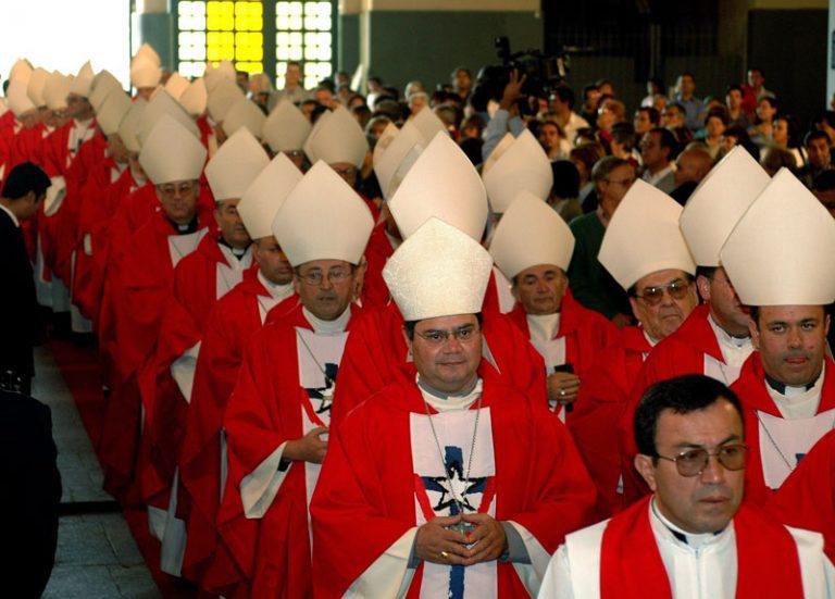 """Peña pide a la Iglesia Católica abandonar las excusas """"pueriles"""" y reflexionar sobre las causas de abusos sexuales"""