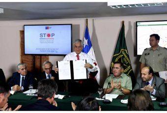 """Piñera intenta afirmar a Carabineros ante la opinión pública con """"Sistema Táctico de Operación Policial"""""""