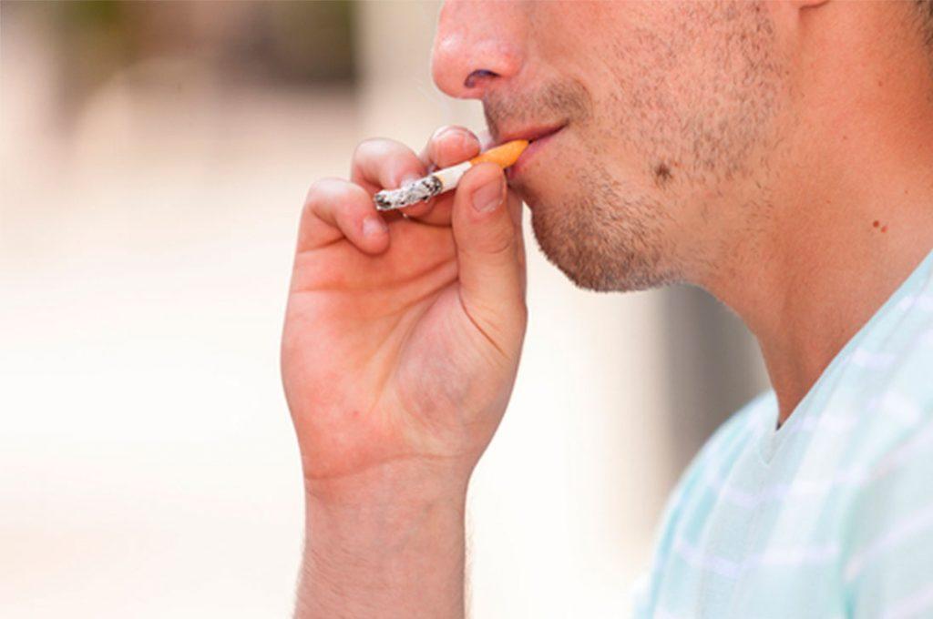 Fumar hace perder más de 1 hora de trabajo al día