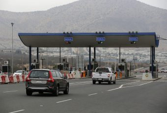 Intendencia llama a aprovechar los peajes a mil pesos para el retorno a Santiago