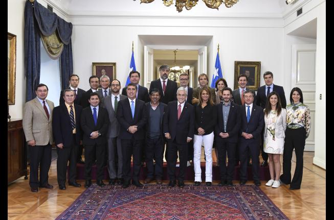 Chile Vamos en pie de guerra por palabras del Presidente Piñera sobre sueldos parlamentarios