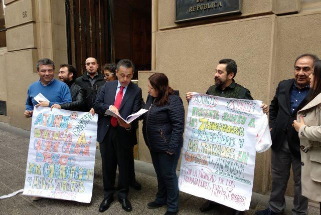 Funcionarios Ajunji concurren a Contraloría contra los acosos que acusan haber sufrido por Carmen Gloria Drago
