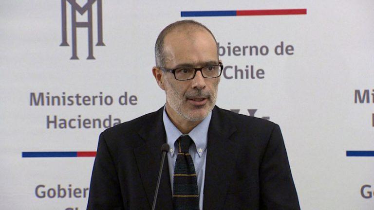 """Valdés se suma al debate entre Larraín e Eyzaguirre y le pide al gobierno """"no hacer análisis exagerados e incorrectos"""""""