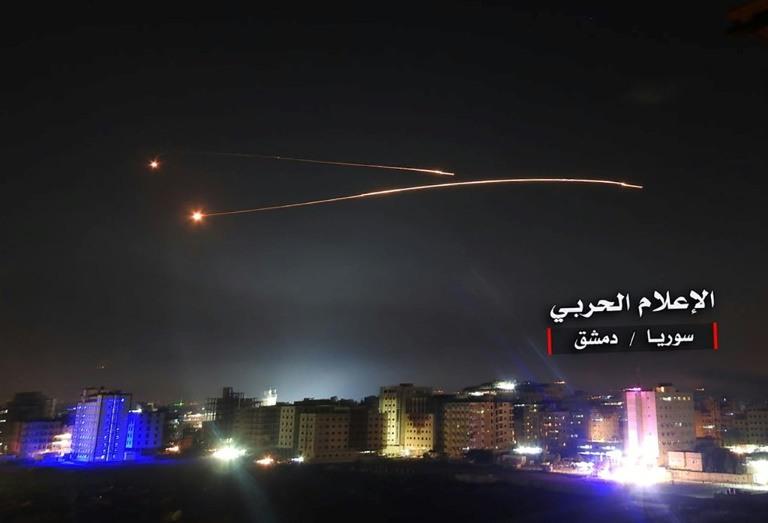 Israel nuevamente bombardea Siria y crece la tensión en Oriente Medio