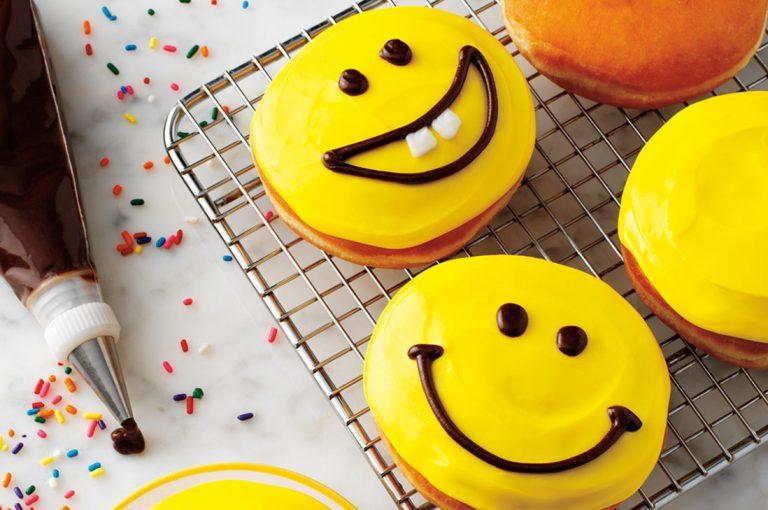 Celebra el Día de la Donut con donuts gratisy apoya una buena causa