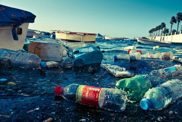 Greenpeace divulga estudio sobre mayores productores de residuos de plástico: Lideran Coca-Cola, Pepsi y Nestlé