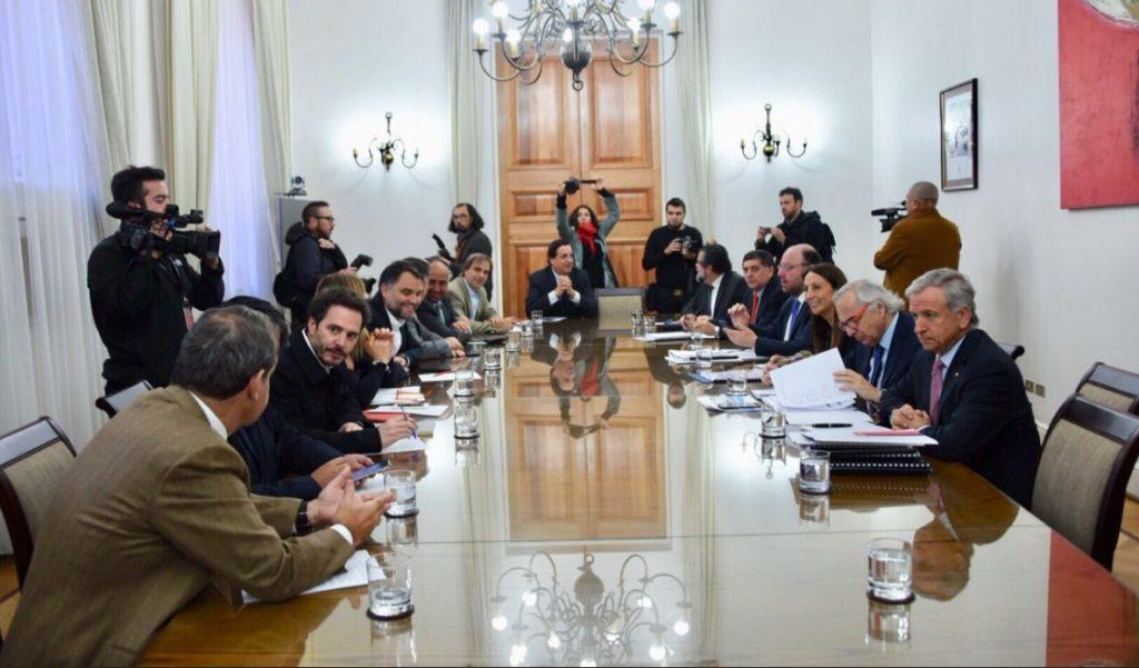 En los 100 días de gobierno, Chile Vamos busca bajar el perfil a los conflictos internos