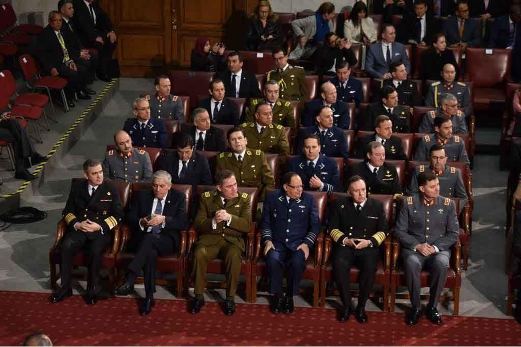 Piñera anuncia el reemplazo de la Ley Reservada del Cobre y extiende la carrera militar