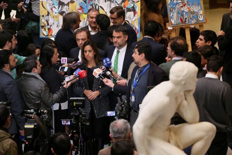 ¡Con el sueldo no! Chile Vamos insiste en reducir parlamentarios por sobre bajar la dieta que reciben