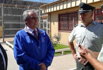Declaran admisible querella contra gobernador de Cauquenes por omitir ingresos para no pagar pensión alimenticia