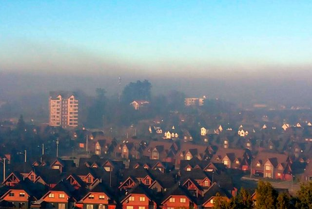 Combustibles para calefaccionar son la principal causa de la contaminación en el sur de Chile