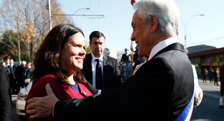 """Peña pone en duda la """"sinceridad"""" de la agenda de género de Piñera tras """"piropo"""" a Maya Fernández"""