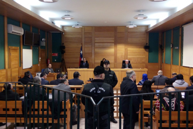"""Frente Amplio rechaza condena a comuneros mapuche y dice que responde a """"motivaciones políticas"""""""