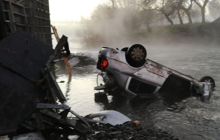 Derrumbe del Puente Cancura deja un muerto y seis heridos en Región de Los Lagos