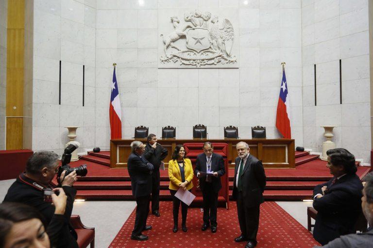 Presidentes de ambas Cámaras golpean la mesa y piden al Ejecutivo respetar la institucionalidad