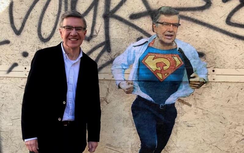 Lavín 3.0 de bacheletista aliancista a superhéroe ciudadano