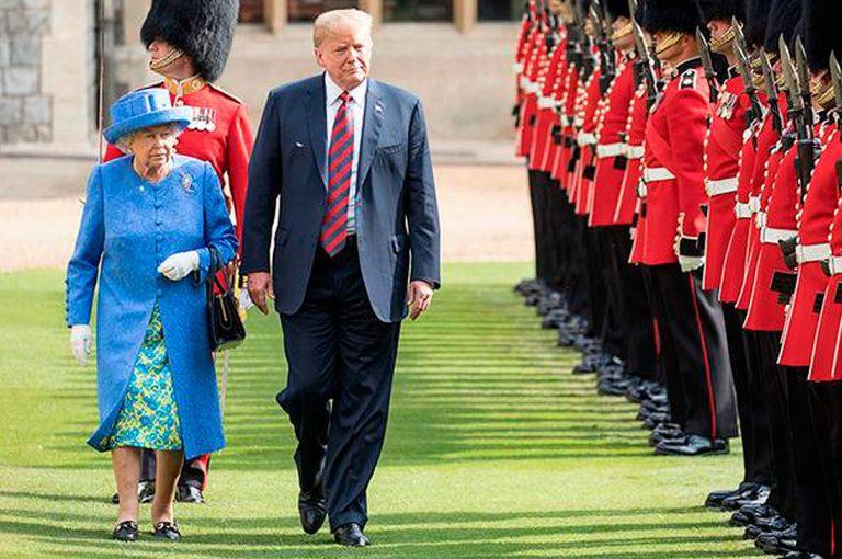 Los errores de protocolo que erró Trump en la visita a la Reina Isabel II