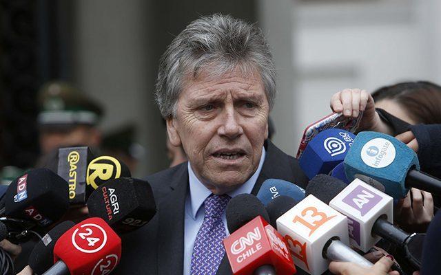 """Ministro Espina infunde terror con nuevas declaraciones: """"Fuimos objeto de un ataque brutal preparado por grupos anarquistas en concomitancia con narcotraficantes"""""""