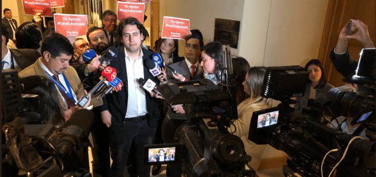 Comisión de Salud aprueba Eutanasia y divide al oficialismo