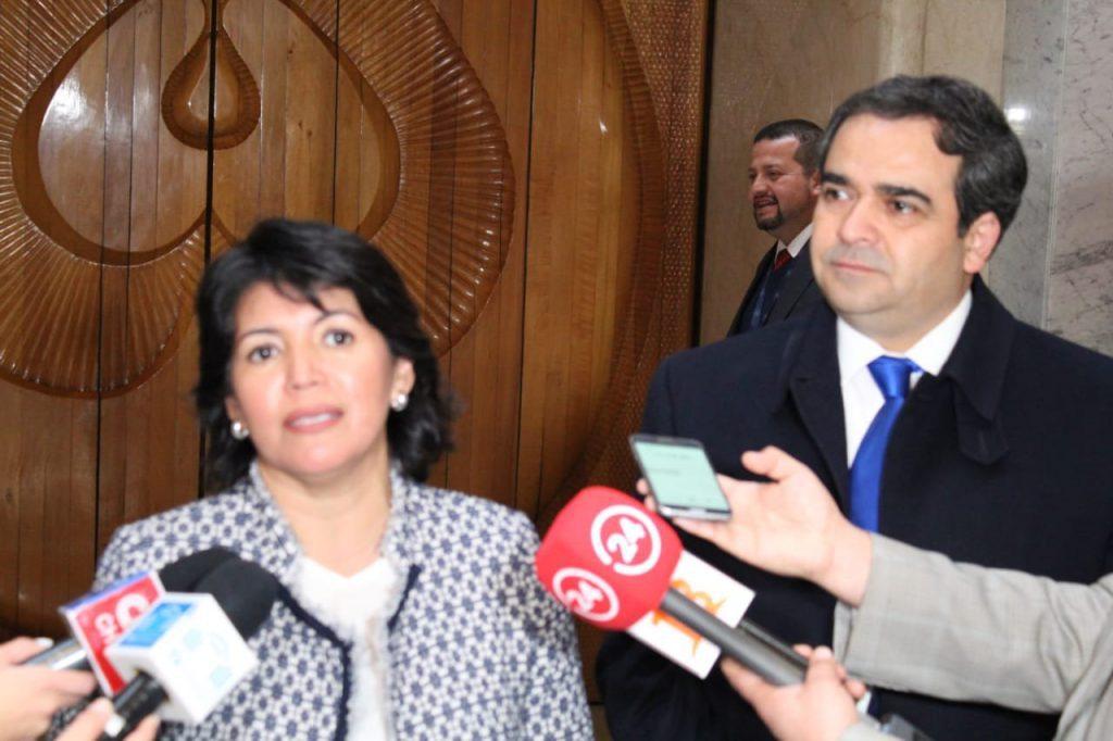 Comisión de Educación del Senado cierra las puertas a ministro Rojas hasta que pida disculpas públicas