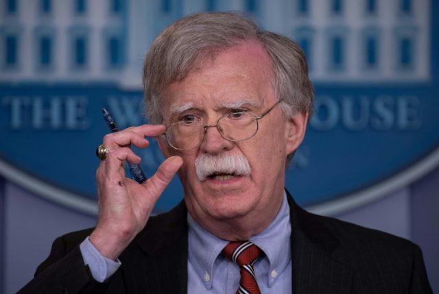 """EEUU: Trump le da el """"sobre azul"""" a  su asesor de seguridad nacional John Bolton"""