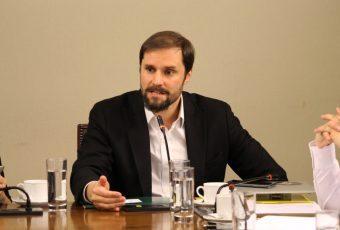 Diputado Bellolio presentó el proyecto que incorpora el Ciber Bullying a la Ley General de Educación