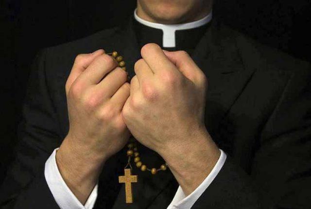 Senado busca eliminar privilegio que tienen religiosos para no testificar ante tribunales