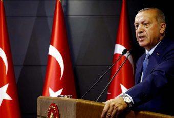 """Guerra Comercial: Erdogan dice que Turquía """"boicoteará"""" productos electrónicos estadounidenses"""