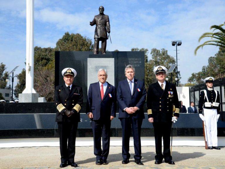 """Armada conmemoró el Bicentenario de la Escuela Naval """"Arturo Prat"""""""