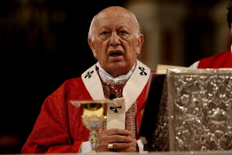La Moneda –más rápido que Roma- le quita la mitra a cardenal Ezzati y le pide al Papa que lo cambie YA