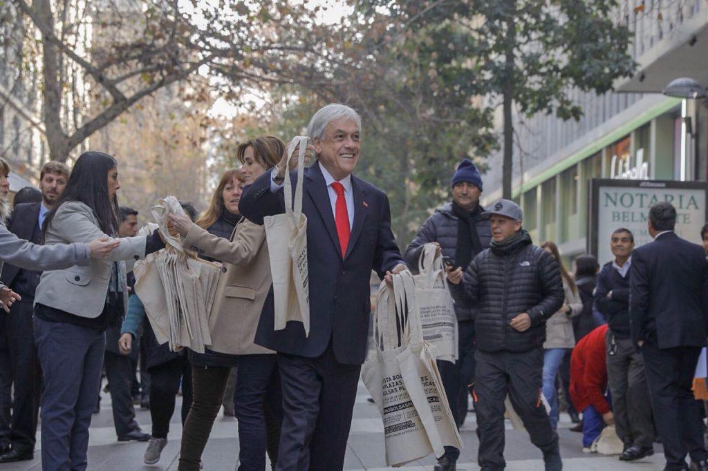Hoy comienza el fin de las bolsas plásticas en Chile