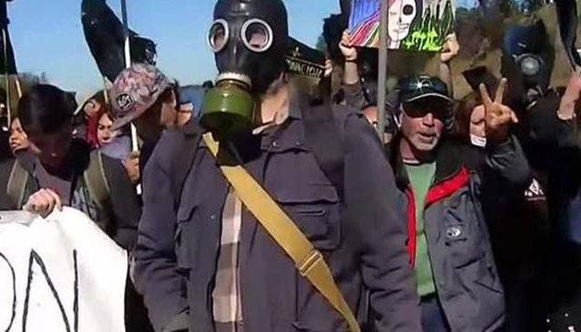 Autoridad por sobre gente: Intendente de Valparaíso defiende a Seremi ante reclamos de intoxicados