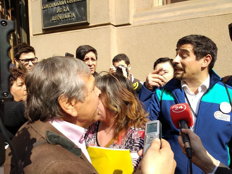 Alcalde y ex alcalde de Cerro Navia pelean en las puertas de Contraloría