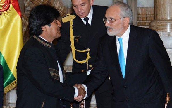 Bolivia: Evo lidera con 38% preferencia electoral seguido por Mesa con 27%