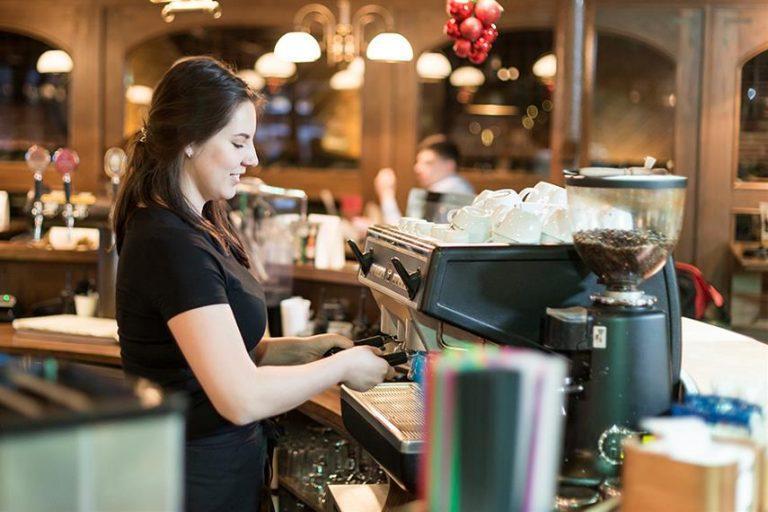 Desempleo del trimestre junio-agosto sufre fuerte alza y alcanza 7,3%