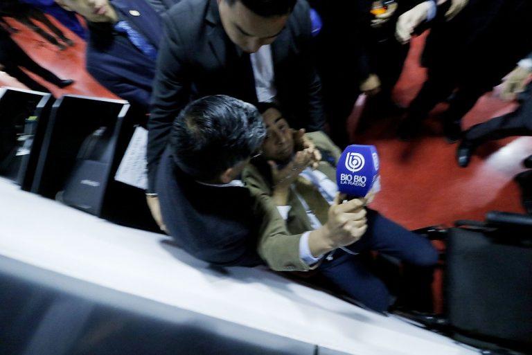 Evangélico que agredió a periodista en Te Deum fue separado de su cargo