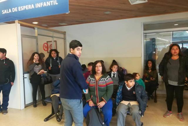 A pesar de las medidas del gobierno, intoxicados colapsan hospital de Quintero