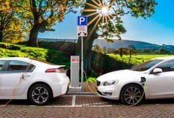 Descubre cómo los autos eléctricos contribuyen a las redes inteligentes