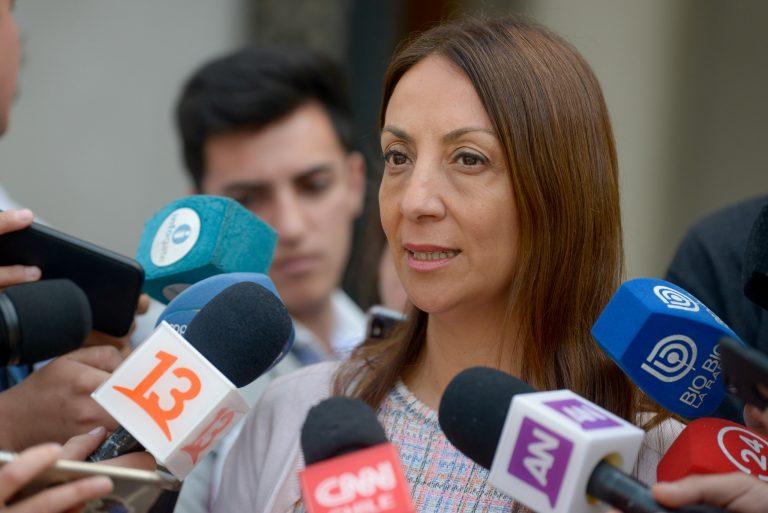 """Vocera blinda a Chadwick por dichos sobre apoyo internacional a grupos terroristas en Chile: """"Es un ministro muy responsable"""""""