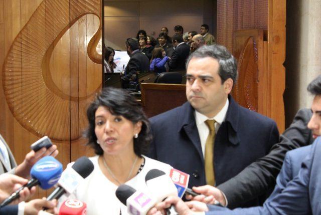 """Oposición golpea la mesa ante acusación de obstruccionismo por """"Aula Segura"""""""