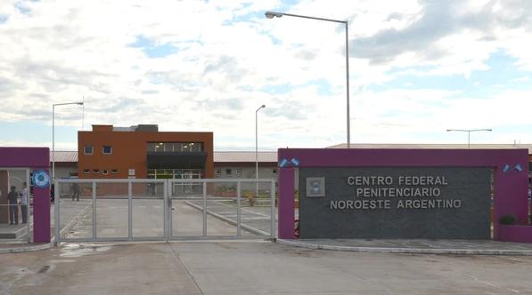 Justicia ordena excarcelación a boliviana para que pueda ver a su hijo con cáncer terminal