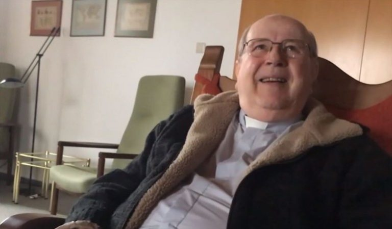"""Schoenstatt sienten """"mucha vergüenza"""" por daños a víctimas de ex obispo Cox y anuncian que lo traerán de vuelta a Chile"""