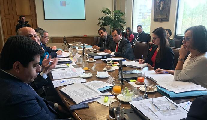 Proyecto que elimina la Ley del Cobre sigue trámite legislativo en Comisión de Hacienda del Senado