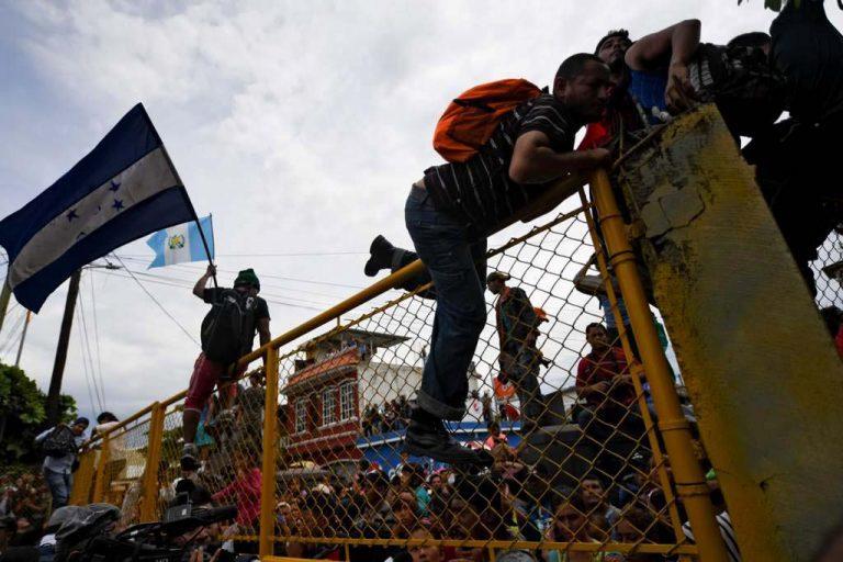 Trump sufre derrota judicial: Juez declara ilegal no aceptar asilo de inmigrantes que crucen la frontera