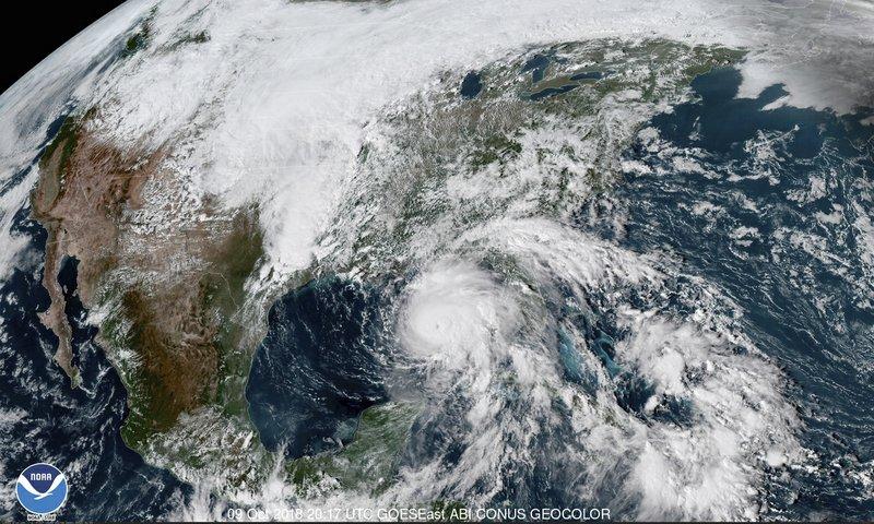"""EEUU: Huracán Michael sube a categoría 4 """"extremadamente peligroso"""""""