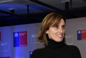 """Ministra Cubillos se defiende de la acusación constitucional  y apunta al """"gobierno anterior"""""""