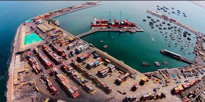 """Portuarios bolivianos quieren dejar de ocupar el puerto de Arica por """"lento"""" y """"colapsado"""""""