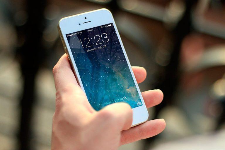 Apple prepara un diseño con bordes planos de acero para el próximo iPhone