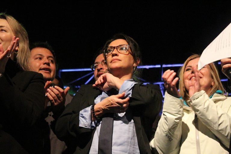 """Dip. Santibáñez por Aula Segura: """"No estaremos a favor de algo que va en la restricción de la democracia"""""""